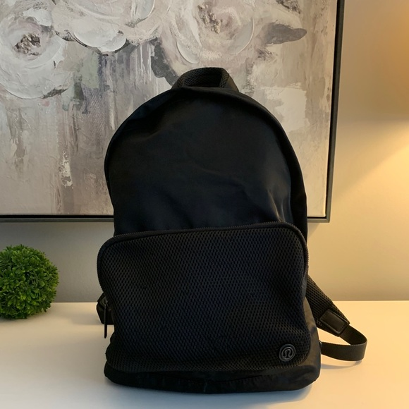 Lululemon Everywhere Backpack